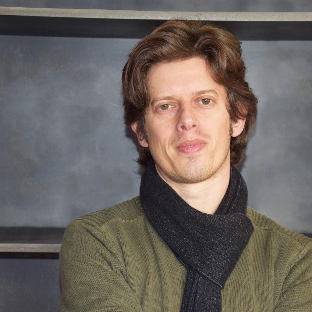 Daniel Neves da Costa distinguished with the Maria Cândida da Cunha Prize